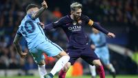 Lionel Messi e Sérgio Aguero em partida válida pela UEFA Champions League