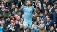 Gabriel Jesus comemora seu gol com o Manchester City diante do Swansea