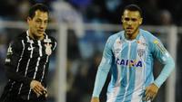 Corinthians ficou no empate com o Avaí e viu a vantagem cair para 6 pontos