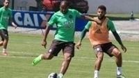 Jogadores do Coritiba durante treino da equipe