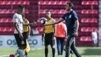Guilherme Arana conversa com Fábio Carille, em Osasco