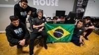Brasileiros da SG e-Sports durante bootcamp na Polônia