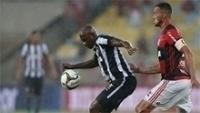Sassá marcou o gol do Botafogo contra o Flamengo na semifinal do Carioca