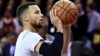 Veja Stephen Curry aquecendo antes do jogo contra o Cleveland Cavaliers