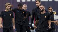 Samper, Marlon, Arda Turán e Douglas durante treino do Barcelona para a Supercopa da Espanha