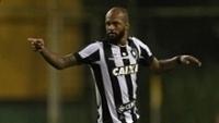 O atacante Bruno Silva comemora gol do Botafogo contra a Portuguesa-RJ, em Xerém