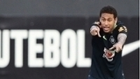 Neymar foi um dos mais 'tietados' pela torcida no Morumbi