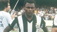 Perivaldo com a camisa do Botafogo para duelo contra o São Paulo em 1981