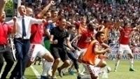 Banco do Utrecht comemora na disputa por pênaltis contra o AZ Alkmaar