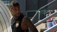 Neymar, em treino do Barcelona nesta segunda-feira