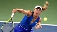 Wozniacki durante jogo no Premier de Dubai