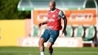 Suspenso da Libertadores, Felipe Melo está a dispisição contra o São Paulo