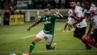 O meia Dudu retornou ao Palmeiras diante do Atlético-GO