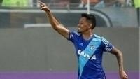 Lucca comemora um de seus gols pela Ponte Preta sobre o Atlético-MG