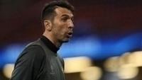 Buffon está entre os três melhores jogadores da temporada na Europa