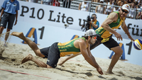 Bruno e Alison, durante o Mundial de vôlei de praia
