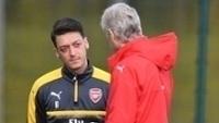 Özil é um dos destaques do Arsenal