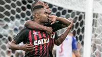 Nikão teve grande atuação diante do Bahia