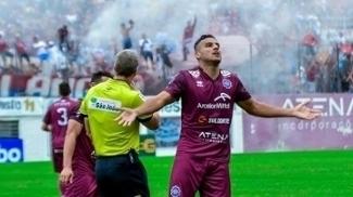 Gilmar anotou o gol da vitória do Caxias no clássico