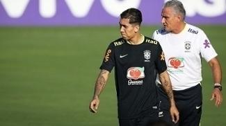 Roberto Firmino treinou entre os titulares nesta terça-feira pela Seleção