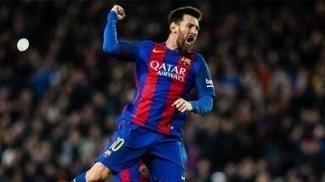 Messi marcou o 500º gol de sua carreira, que deu a vitória ao Barcelona sobre o Real.