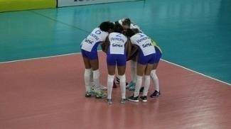 Rio de Janeiro supera o Brasília e alcança 10ª vitória seguida na Superliga feminina