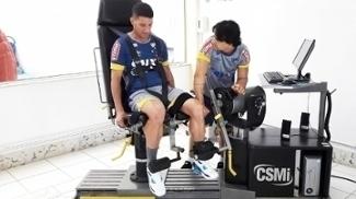 Thiago Neves faz trabalho físico no Cruzeiro