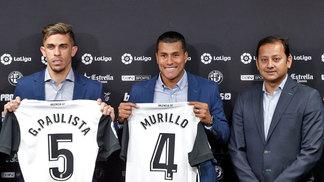 Gabriel Paulista foi apresentado ao lado de Murillo no Valencia
