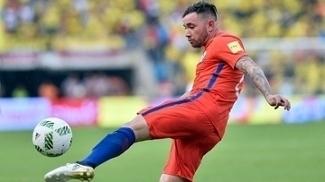 Mena atuará na Copa das Confederações com a seleção chilena