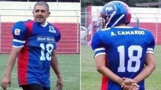 Com a bola oval, Adhemar é 'A.Camargo'