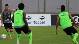 Jogadores do Ceará treinam antes da partida contra o Boa