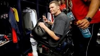 Tom Brady no momento em que descobriu o desaparecimento da camisa