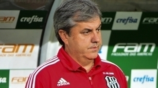 Gilson Kleina vê grupo feliz com a final contra o Corinthians, mas garante pés no chão