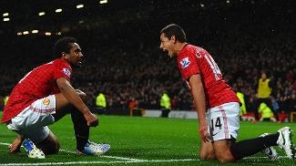 Anderson comemora gol do United com Chicharito