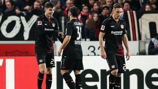Havertz (à esq.) abriu o placar diante do Stuttgart