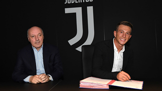 Bernardeschi assinou até 2022 com a Juventus