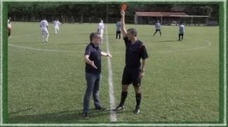 É para cartão vermelho? 'Regra 18' termina de explicar a norma 12 do futebol