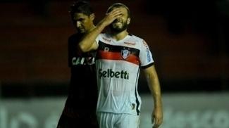 Joinville e Sport fizeram duelo equilibrado na Ilha do Retiro