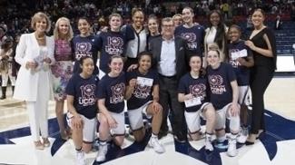 Conheça o time de basquete que não sofre uma derrota desde novembro de 2014