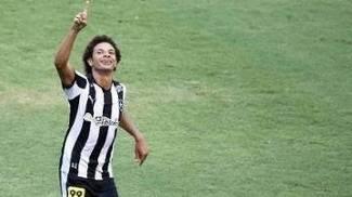 3626b060c5182 William Arao Comemora Gol Botafogo Bragantino Serie B 17 10 2015