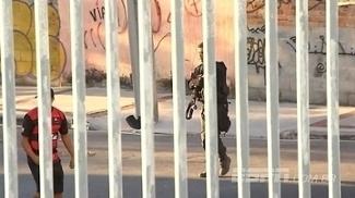 Veja imagens da confusão entre torcidas de Fla e Botafogo e a polícia