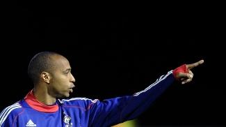 7d3b169612 Thierry Henry criticou Chicharito