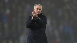Mourinho durante o jogo do Manchester United contra o Blackburn Rovers