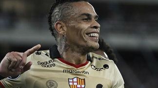 O atacante Jonatan Álvez é uma das armas do tradicional time equatoriano