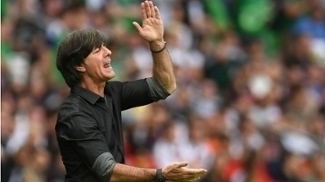 Joachim Löw viu seu time vencer a Irlanda do Norte por 1a 0