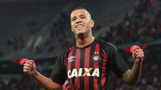 Sidclei virou jogador polivalente no Atlético-PR