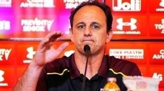 Chamado de M1to, treinador tem se envolvido em temas espinhosos