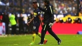 Centurión atua pelo Boca Juniors na Bombonera