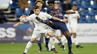Timothy Weah em ação na base do PSG contra o Real Madrid