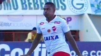 Vila Nova venceu o clássico com o Goiás